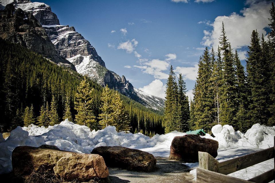 montagnes-rocheuses-canada